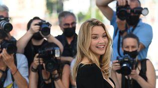 Virginie Efira au festival de Cannes 2021, le 10 juillet 2021 (CHRISTOPHE SIMON / AFP)