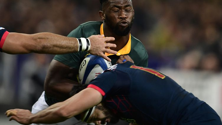 Siya Kolisi, lors d'un match face à l'équipe de France de rugby (MARTIN BUREAU / AFP)