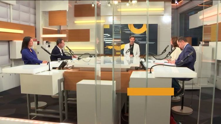 Le studio des informés. (FRANCE INFO / RADIO FRANCE)