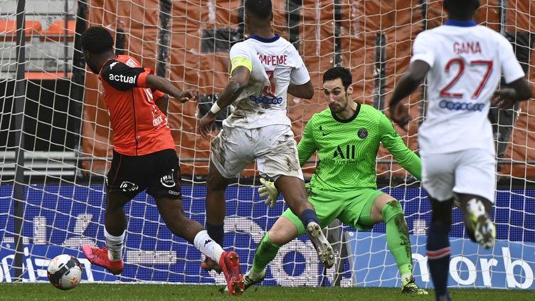 Lorient renverse le PSG (3-2) lors de la 22e journée de Ligue 1  (DAMIEN MEYER / AFP)