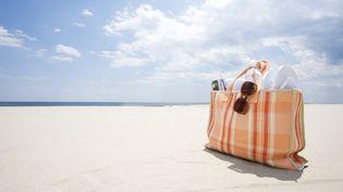 De nombreux services web permettent de préparer ses vacances aussi facilement qu'un sac de plage. (JACK FLASH / DIGITAL VISION / GETTY IMAGES)