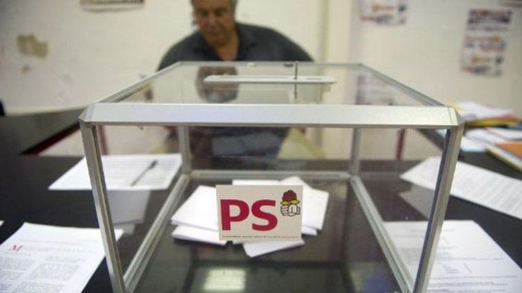 Avant le vote... (BERTRAND LANGLOIS / AFP)