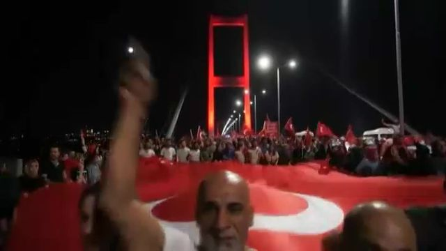 VIDEO. Turquie : manifestations anti-putsch à Istanbul et Ankara