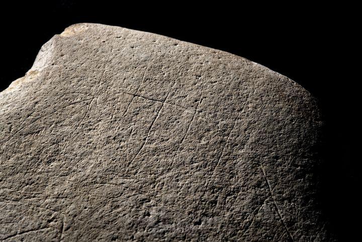 L'œuvredate du Paléolithique, c'est-à-dire 12 000 ans avant J.C.. (© DENIS GLIKSMAN)