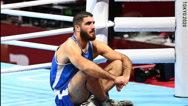 Exclu de sa demi-finale, Mourad Aliev a vécu une journée dans l'incompréhension.Les Français ne rapportent aucune médaille de Tokyo et sortent à chaque fois en contestant leur élimination.
