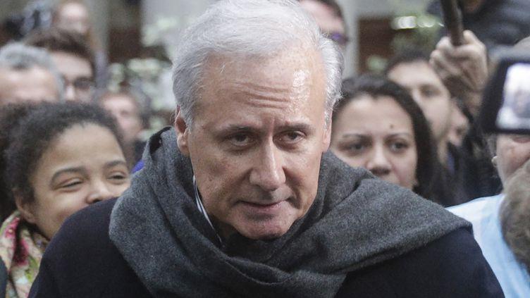 Georges Tron quitte le tribunal à Bobigny (Seine-Saint-Denis), le 15 novembre 2018. (GEOFFROY VAN DER HASSELT / AFP)