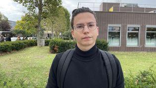 Florentin, 18 ans, étudiant à la faculté de Nanterre (Hauts-de-Seine). (MANON MELLA / FRANCEINFO)