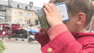 Ce boîtier de réalité virtuelle vous téléporte tout droit vers le Moyen-Âge. (France 3 Normandie)