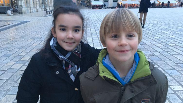 La balade Art Nouveau à Nancy en compagnie de deux Nancéiens: Maylis 10 ans et Alexandre 9 ans. (INGRID POHU / RADIO FRANCE)