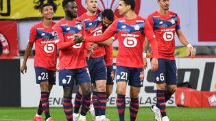 Les Lillois lors de la réception de Nice, au Stade Pierre-Mauroy, le 1er mai 2021. (DENIS CHARLET / AFP)