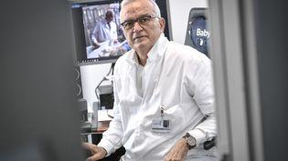 Jean-MarcAyoubi, chef de service de gynécologie-obstétrique et médecine de la reproduction à l'HôpitalFoch, le 17 février 2021. (STEPHANE DE SAKUTIN / AFP)