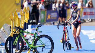 Cassandre Beaugrand est au départ de l'épreuve de triathlon des Jeux Olympiques de Tokyo. (ROBERT PERRY / EPA / MAXPPP)