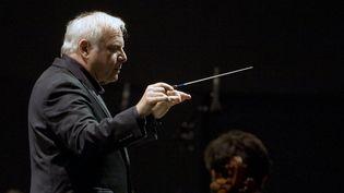 Leonard Slatkin, chef d'orchestre et directeur artistique de l'ONL  (©PHOTOPQR/LE PROGRES/JEGAT MAXIME)
