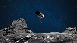 Une illustration de la sonde Osiris-Rex, qui a prélevé des cailloux à la surface de l'astéroïde Bennu, publiée le 11 août 2020 par la Nasa. (NASA/GODDARD/ARIZONA STATE UNIVE/AFP)