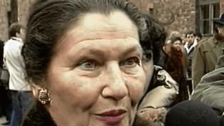 Déportée à Auschwitz à 16 ans, Simone Veil est restée hantée par les images et les odeurs des camps d'extermination. (FRANCE 3)