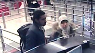 Image diffusée le 12 janvier 2015 par une agence de presse turque, montrant Hayat Boumeddiene et Medhi Belhoucine à l'aéroport de Madrid (Espagne) le 2 janvier 2015. (STR / IHLAS NEWS AGENCY / AFP)