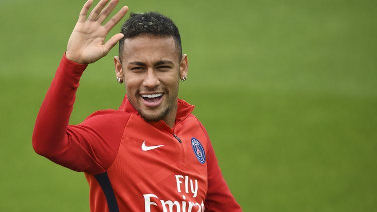 Neymar peut avoir le sourire (FRANCK FIFE / AFP)
