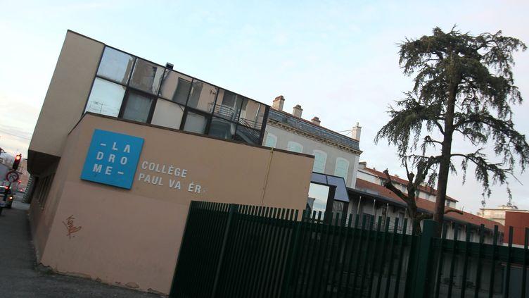 Le collège Paul-Valéry à Valence (Drôme) où une mère d'élève a agressé à coups de poing la CPE lundi 17 décembre 2012. (STEPHANE MARC / MAXPPP)