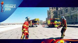 Image extraite du clip de soutien à l'équipe de France féminine du bataillon de marins-pompiers de Marseille. (BMPM / YOUTUBE)