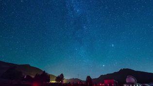 Loin de la pollution des villes, une station d'observation de la Vallée d'Aoste (Italie) permet de contempler les nuits étoilées. (CAPTURE D'ÉCRAN FRANCE 3)