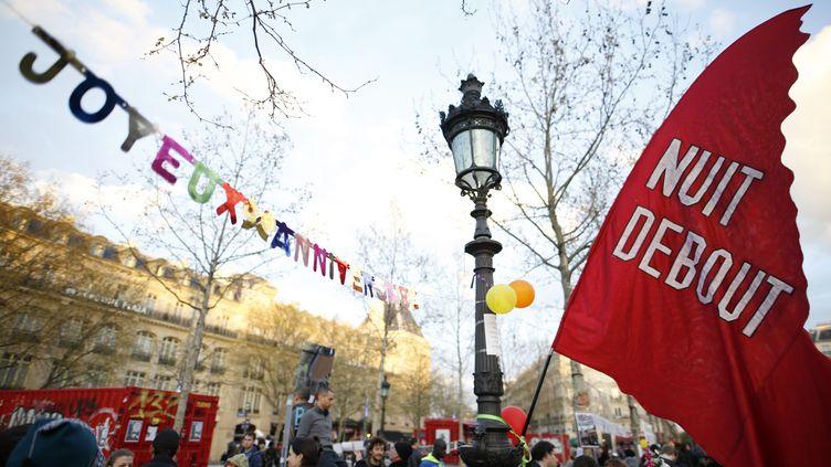 Un rassemblement de Nuit debout, place de la République à Paris, vendredi 31 mars 2017. (BENJAMIN CREMEL / AFP)