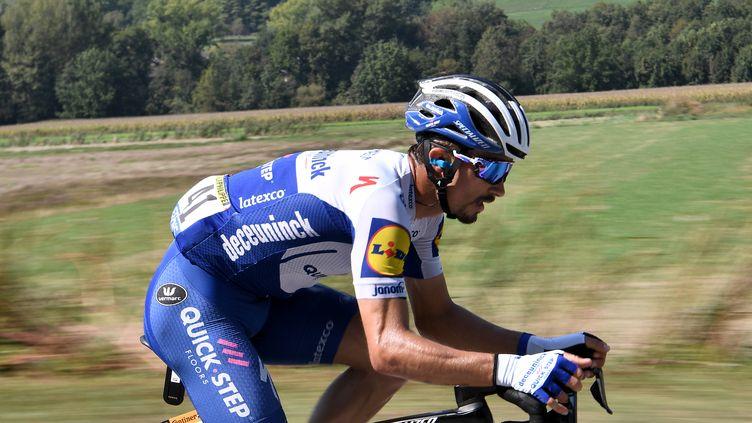Julian Alaphilippe encore à l'avant sur cette 17e étape du Tour de France. (ANNE-CHRISTINE POUJOULAT / AFP)