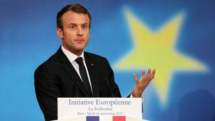 Le président Emmanuel Macron prononce un discours sur l'Europe dans le grand amphithéâtre de la Sorbonne, à Paris, le 26 septembre 2017. (LUDOVIC MARIN / POOL)