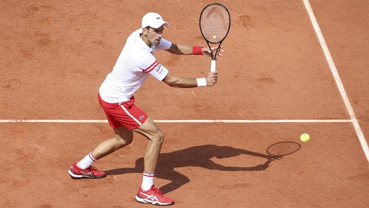 Novak Djokovic fera face à Ricardas Berankis au troisième tour. (JEAN CATUFFE / AFP)