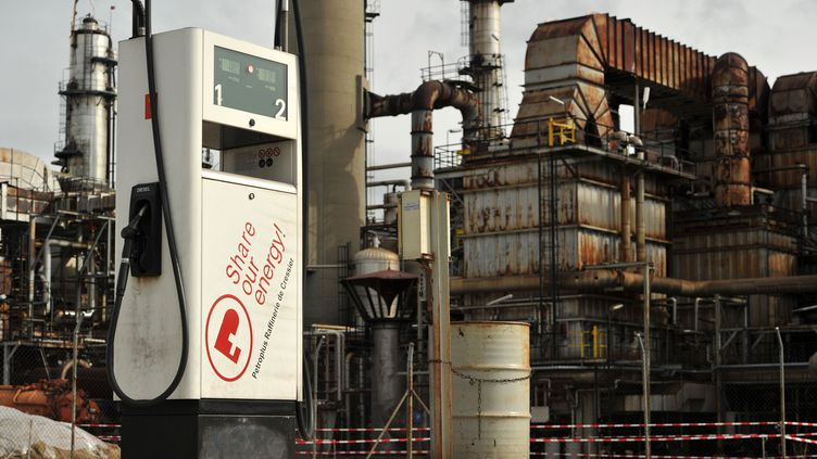 La raffinerie Petroplus de Cressier (Suisse), le 17 octobre 2010. (HAROLD CUNNINGHAM / GETTY IMAGES)
