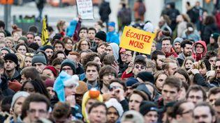 Des milliers d'étudiants manifestent pour le climat à Montréal au Québec en mars 2019. (MARTIN OUELLET-DIOTTE / AFP)