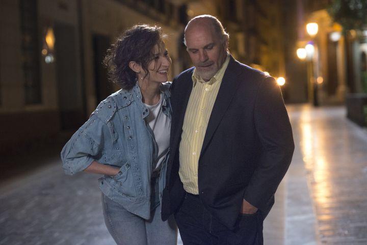 Aline/Céline (Valérie Lemercier) et Guy-Claude/René (Sylvain Marcel), un couple uni dans l'amour et dans la gloire. (JEAN MARIE LEROY)