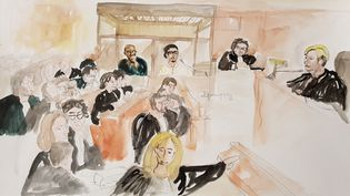 Dessinreprésentant la salle d'audience le premier jour du procès deJawad Bendaoud et Mohamed Soumah, le 24 janvier 2018 au palais de justice de Paris. (ELISABETH DE POURQUERY / FRANCEINFO)