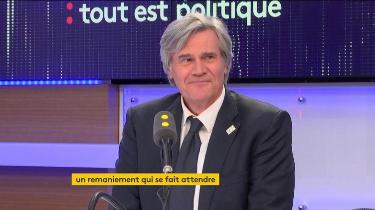 Stéphane Le Foll était l'invité de Tout est politique, mercredi 22 novembre sur franceinfo. (FRANCEINFO / RADIOFRANCE)