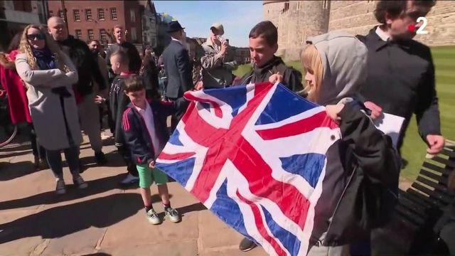 Obsèques du Prince Philip : quelques hommages populaires malgré l'interdiction