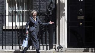 Teresa May, Premier ministre britannique devant le 10 Downing street à Londres. (HUGO PHILPOTT / MAXPPP)