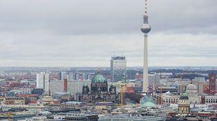 Vue de Berlin dePotsdamer Platz à Alexanderplatz. (JOHN MACDOUGALL / AFP)