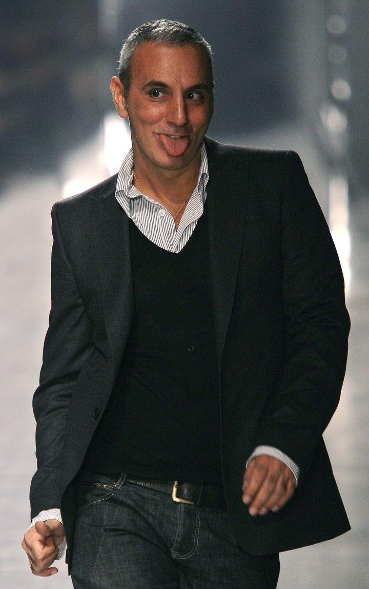 Alessandro Dell'Acqua au final de son défilé en 2007 à Milan  (GIUSEPPE CACACE / AFP)