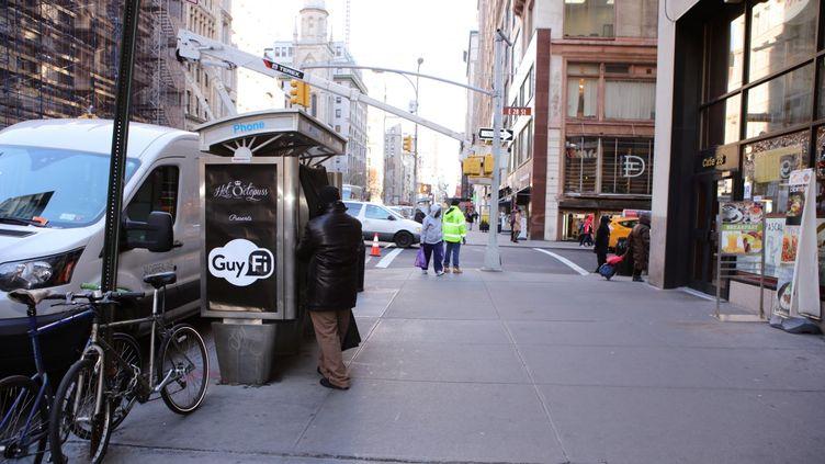 La cabine GuyFi mise en place par la société Hot Octopuss, dans les rues de New York (Etats-Unis). (HOT OCTOPUSS)