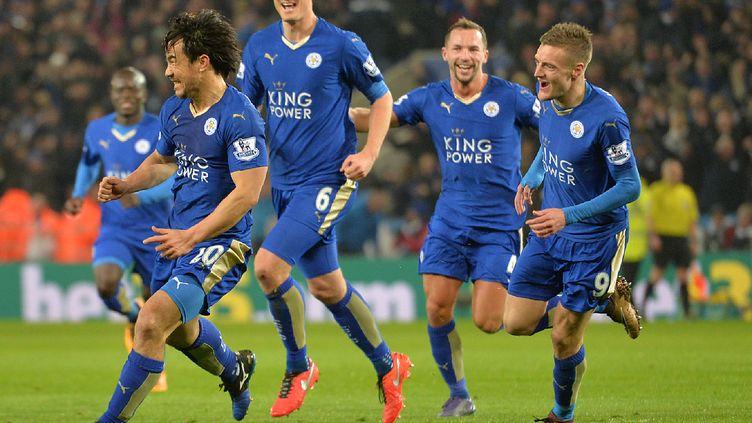 La joie des joueurs de Leicester  (PAUL ELLIS / AFP)