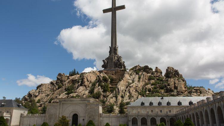 """L'abbaye bénédictine, au pieddu """"Valle de los Caídos"""", mercredi 5 juin 2019. (JULIETTE CAMPION / FRANCEINFO)"""