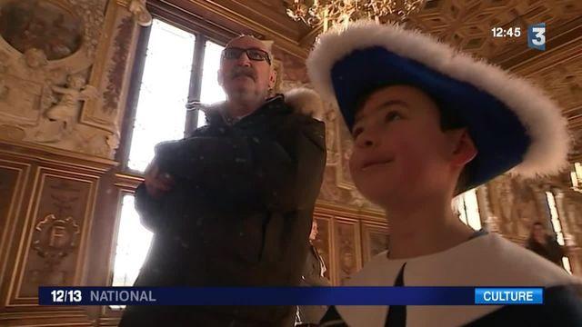 Au château de Fontainebleau, les visites se font en costume d'époque