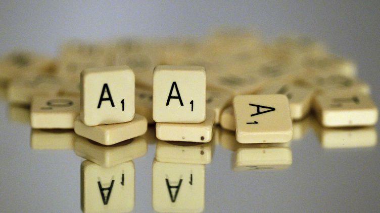 L'agence de notation Standard & Poor's a abaissé, le 13 janvier 2012, la note triple A de la France. (THOMAS COEX / AFP)