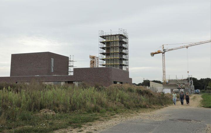 """L'église du """"nouveau Keyenberg"""" (Allemagne), le 14 septembre 2021. (VALENTINE PASQUESOONE / FRANCEINFO)"""