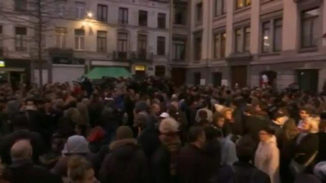 la commune de Molenbeek rend hommage aux victimes des attaques terroristes de Paris