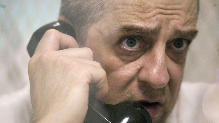 Hank Skinner donne une interview depuis un parloir de sa prison à des journalistes du Texas le 20 janvier 2010. (ZUMA PRESS/MAXPPP)