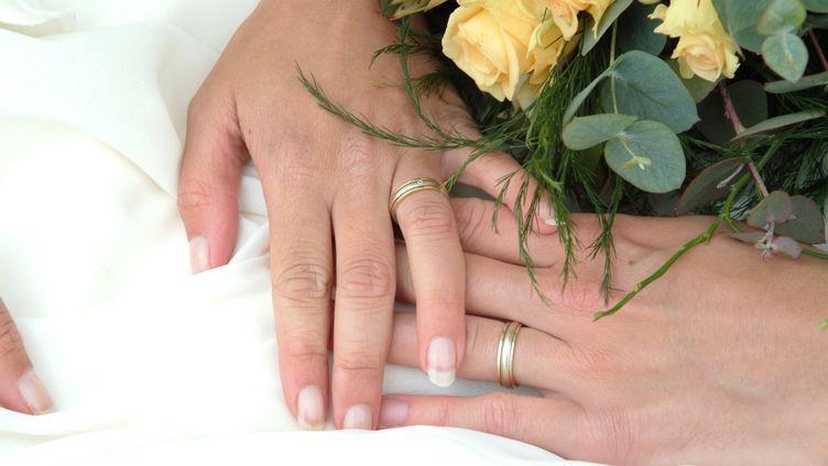 Les alliances ont été échangées le jour de mariage. (MAXPPP)