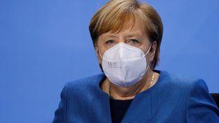 La chancelière allemande Angela Merkel lors d'une conférence de presse à Berlin sur les nouvelles restrictions concernant leCovid-19, le 28 octobre 2020. (FABRIZIO BENSCH / POOL / AFP)