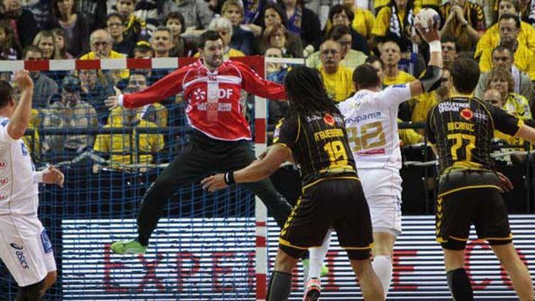 Cyril Dumoulin (dans les buts) et Chambéry reprennent goût à la victoire