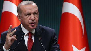 Le président de la Turquie, Recep Tayyip Erdogan, lors d'une conférence de presse au palais présidentiel à Ankara (Turquie), le 21 septembre 2020. (ADEM ALTAN / AFP)