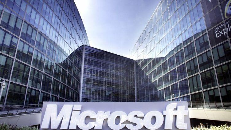 Le siège de Microsoft France à Issy-les-Moulineaux (Hauts-de-Seine). Le géant américain doit payer 561 millions d'euros d'amende à l'Union européenne pour non-respect de ses engagements. (NATHAN ALLIARD / PNS / AFP)
